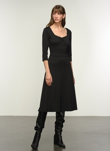 NGSTYLE Büzgü Detaylı Örme Elbise Siyah